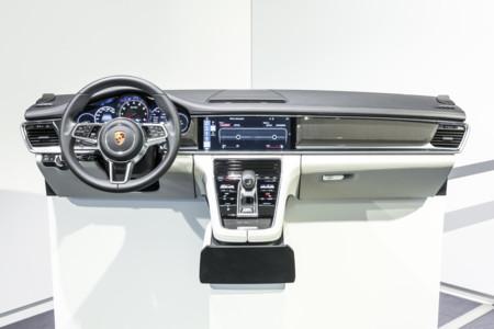 Porsche Panamera 2017 960