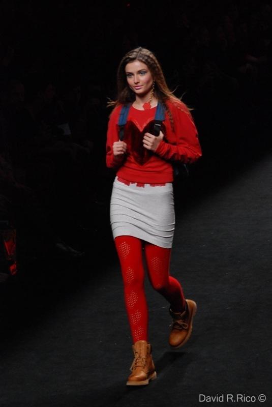 Foto de 080 Barcelona Fashion 2011: segunda jornada con las propuestas para el Otoño-Invierno 2011/2012 (12/99)
