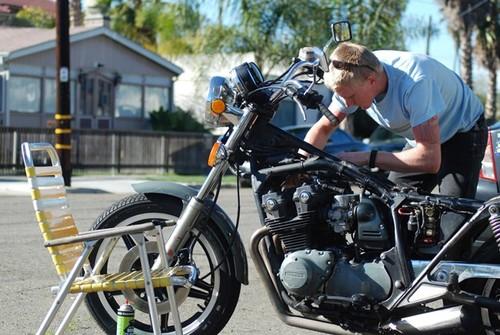 ¿Se ha parado tu moto? aquí tienes cinco puntos que debes revisar