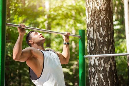 Los errores más comunes en los ejercicios básicos: errores en las dominadas