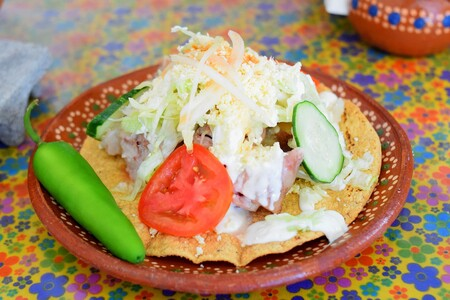 Tostadas Morelianas. Receta fácil de la cocina popular mexicana