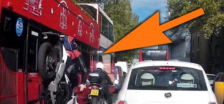 Así es la frenada de emergencia en moto: todo lo que debes saber y practicar para mantenerte a salvo