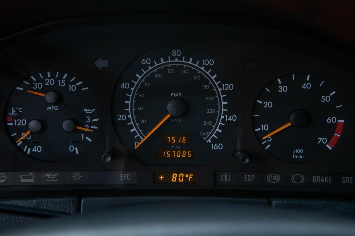 Foto de El Mercedes Benz S600 Lorinser de Michael Jordan, a subasta (13/18)