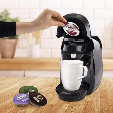 El primer café de por las mañanas, ahora más rápido con esta cafetera de cápsulas de Bosch por menos de 30 euros