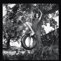 Pirelli recupera fotografías de Helmut Newton para su calendario del 50 aniversario