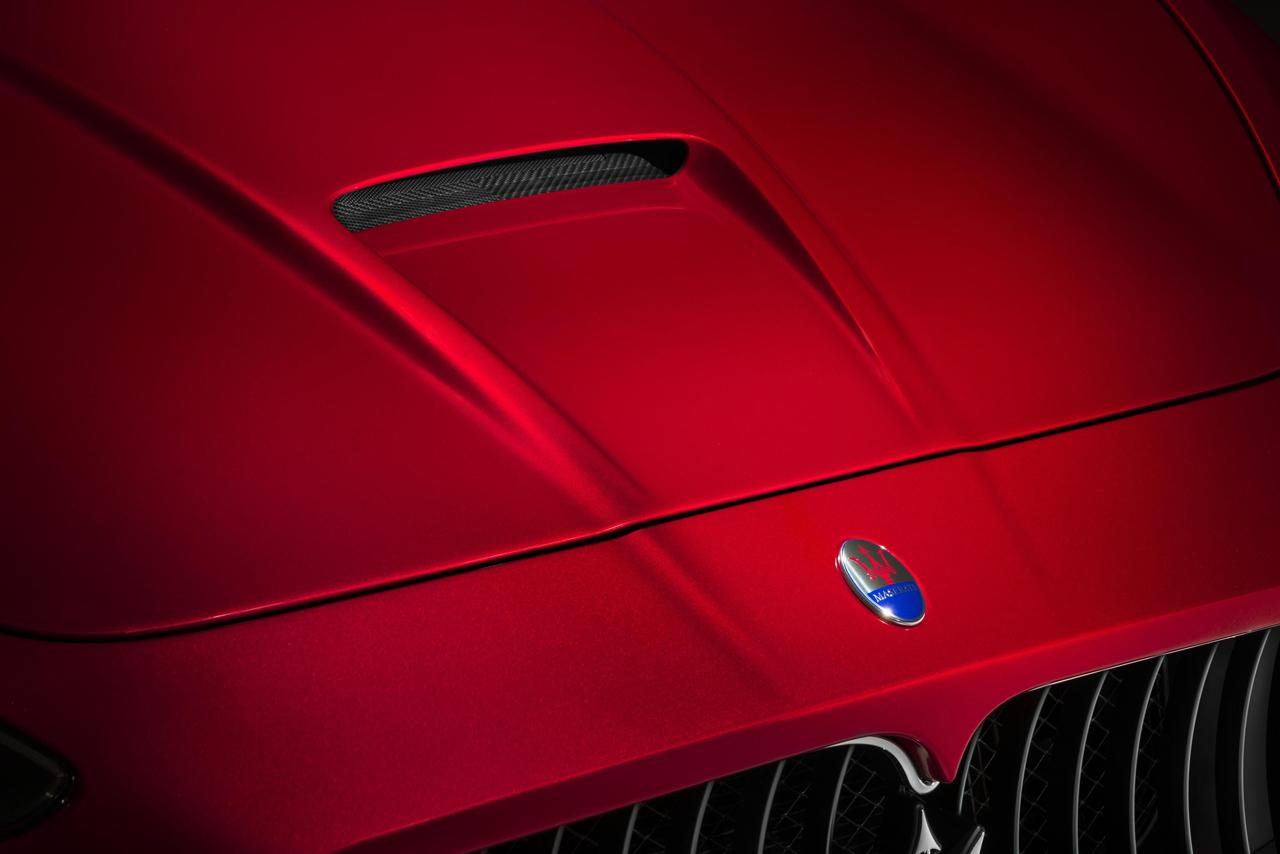 Foto de Maserati GranTurismo MC Stradale Centennial Edition y GranCabrio MC Centennial Edition (14/33)
