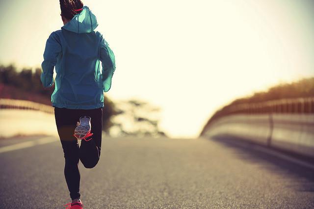 Corrige tu forma de correr para prevenir las posibles lesiones: así puedes distinguir una técnica de carrera buena de una mejorable