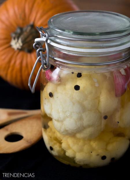 Cerebros en salmuera, la receta perfecta para decorar tu mesa de Halloween