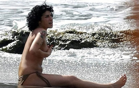 amy winehouse en topless