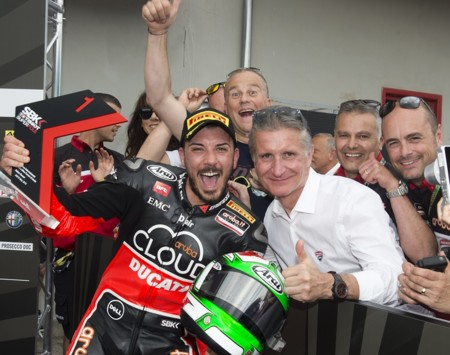 Superbikes Italia 2015: Davide Giugliano vuelve por todo lo alto