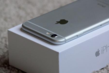 El adolescente que provocó una crisis a Apple con una batería de 10 dólares