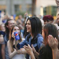 Pepsi retira el anuncio de Kendall Jenner tras la polémica, solo un día después de su lanzamiento