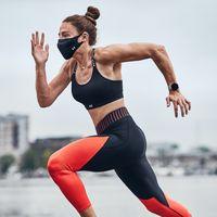 Under Armour lanza su mascarilla deportiva de rendimiento, lavable, reutilizable y de tres capas