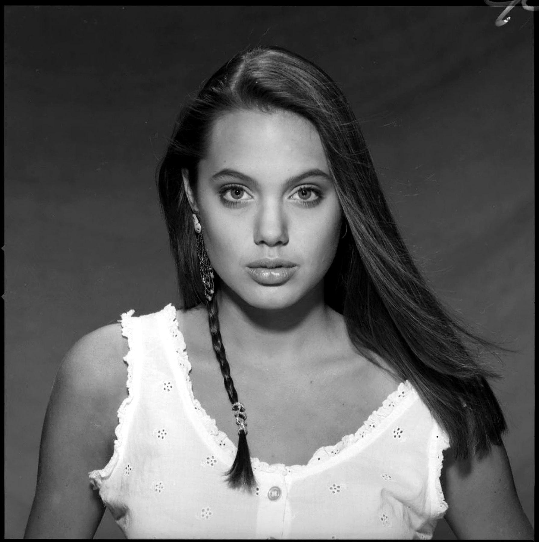 Foto de Angelina Jolie 15 años (4/7)