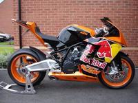 KTM RC8 Red Bull Racing Réplica