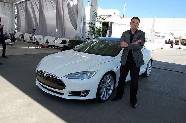 Tesla vuelve a batir su propio récord con el Model S P100D mientras por BMW surgen dudas acerca del Model 3