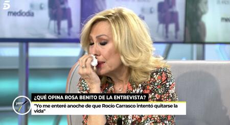 """Rosa Benito llora sin consuelo al enterarse de que Rocío Carrasco intentó suicidarse: """"Yo también intenté dormir"""""""