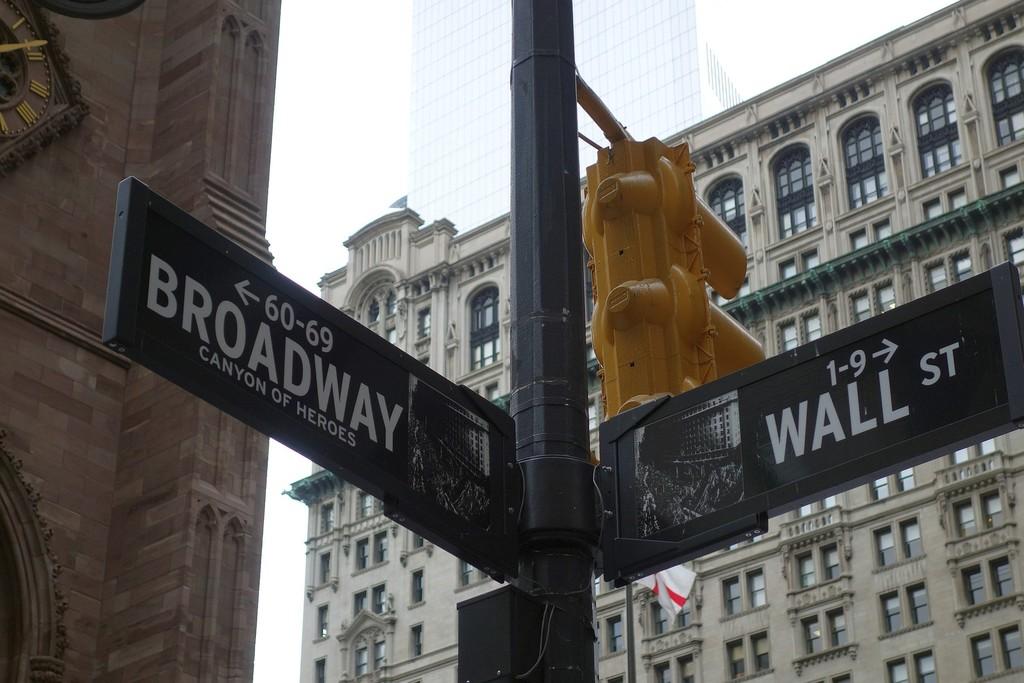 Fondos de gestión activa vs gestión pasiva: existe una tercera vía