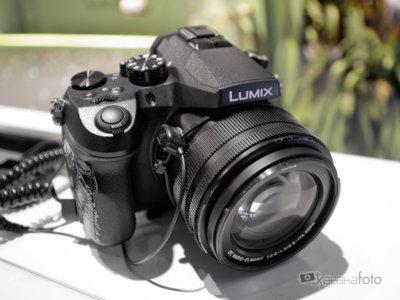 Panasonic Lumix FZ2000: Toma de contacto con la nueva bridge en Photokina