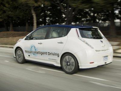 Reino Unido autorizará a los fabricantes a probar coches autónomos en sus autovías a partir de 2017