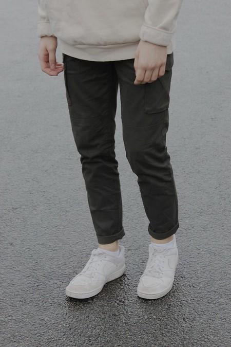 Para cargar con lo que quieras, éstos son los pantalones y bermudas cargo más cool del verano