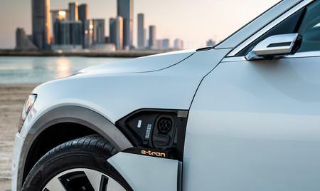 Audi estrena el estándar de lenguaje para que el coche eléctrico pueda aportar energía al hogar y gestionarla