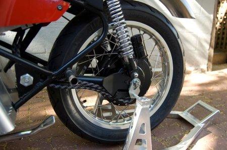 Detalle rueda trasera Volta 102