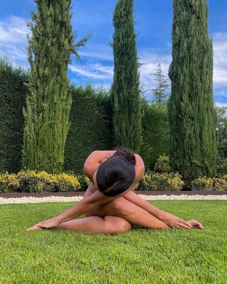 Cristina Pedroche posa cual anuncio de Sanex en este desnudo trapecista en Instagram: la envidia de todo lumbálgico/a