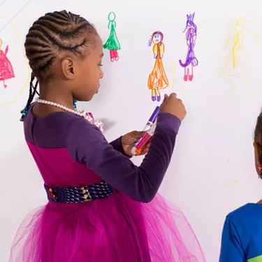 Estas hermanas de cuatro y siete años han creado su propia empresa de moda... y no es un juego de niñas