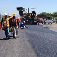 Las carreteras hechas con plásticos llegaron a México: la primera del país está en Guanajuato y en ella se usaron 250 mil envases