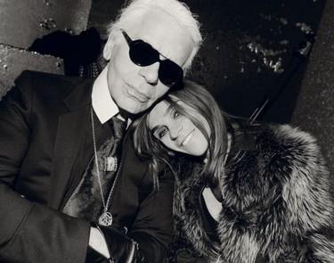 Karl Lagerfeld y su faceta como comunicador entrevistando a Carine Roitfeld
