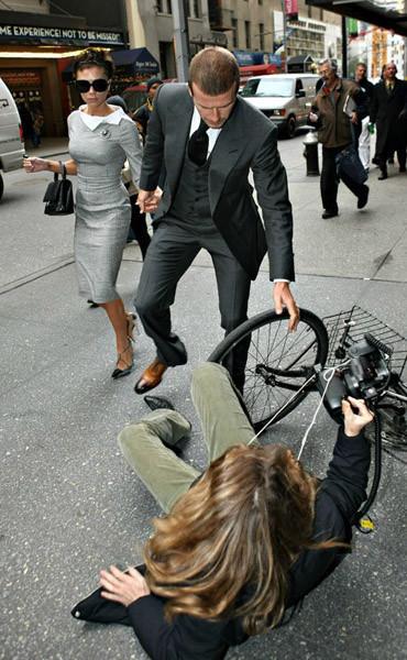 Los fotografos a los pies de los Beckham
