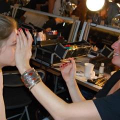 Foto 3 de 27 de la galería el-backstage-de-custo-en-la-nyfw en Trendencias Belleza