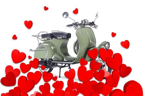 San Valentín en moto: nueve historias de amor en vídeo y dos situaciones MUY desesperadas