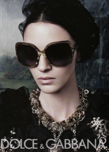 b834257577a Dolce & Gabbana, campaña primavera-verano 2009 por Steven Klein, gafas