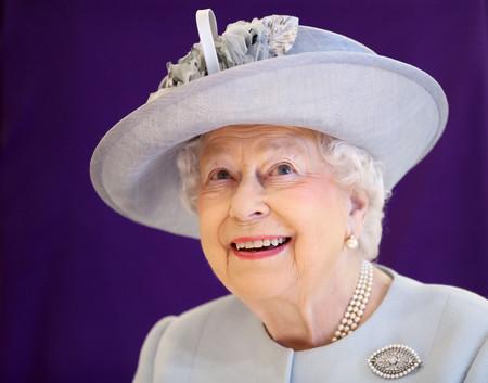 No estaba todo visto: la reina de Inglaterra y Anna Wintour se sientan juntas en el front row de Richard Quinn
