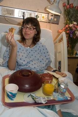 Las embarazadas pueden comer y beber estando de parto si no se utiliza anestesia general