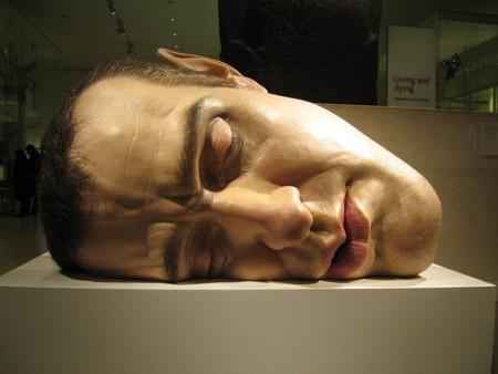 Esculturas hiperrealistas de Ron Mueck
