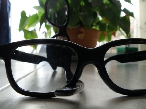799px-realdglassses.jpg
