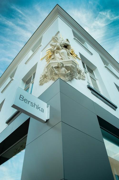 Si la primera impresión es la que cuenta, vas a alucinar con esta tienda de Bershka en Amberes