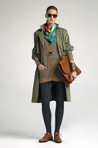 Lookbook Uterqüe otoño-invierno 2010/2011: estilismos para la oficina con un toque trendy