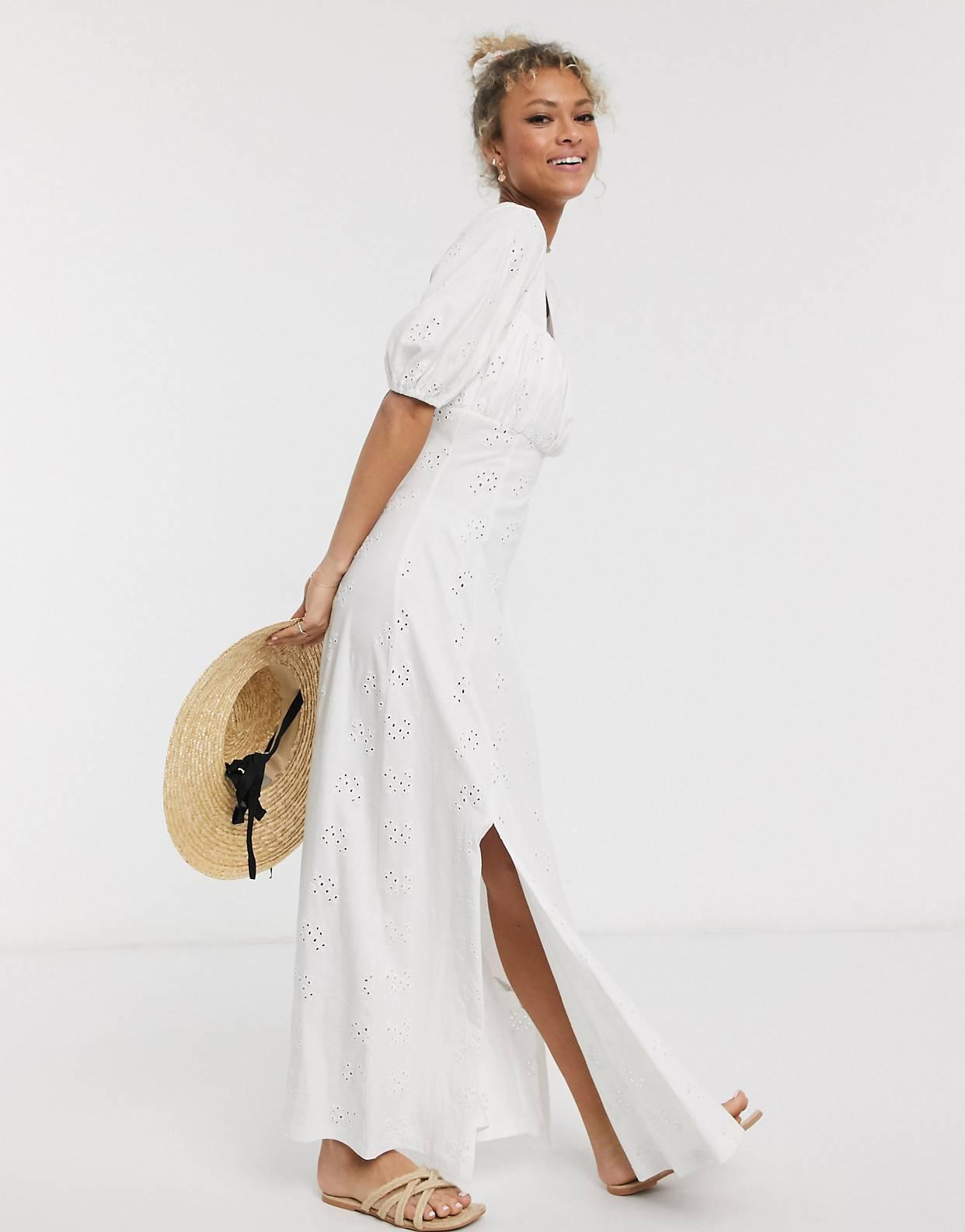 Vestido largo con pradera bordada y cuello cuadrado en blanco de ASOS DESIGN