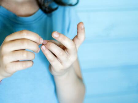 Cambios de color en las uñas de los niños: ¿qué podrían indicarnos de su estado de salud?