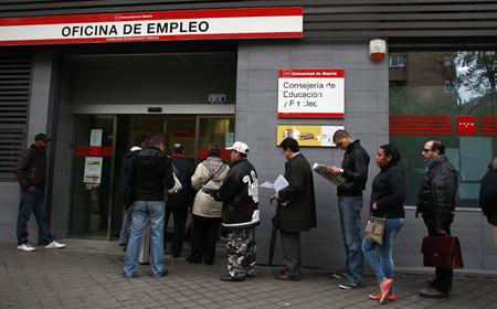 El desempleo no es del 15,3%, la alfombra de los ERTE y los nuevos inactivos maquilla la dura realidad