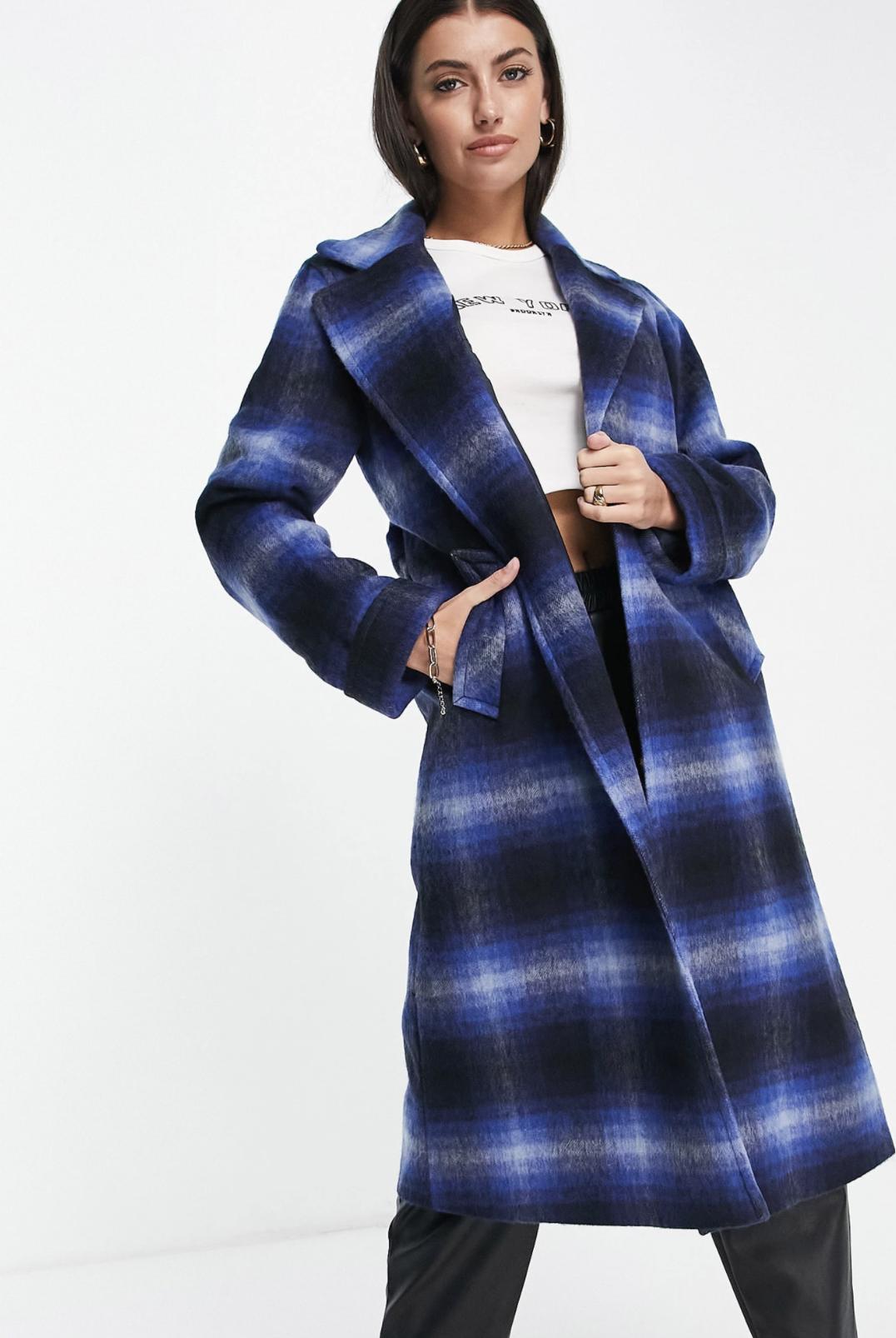 Abrigo cruzado a cuadros azules de mezcla de lana de Helene Berman