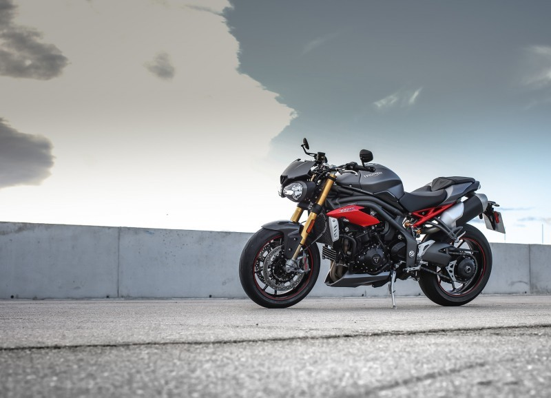 Foto de Triumph Speed Triple 2016 (23/33)