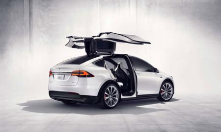 Tesla y Jaguar encabezan la lista negra en fallas de software