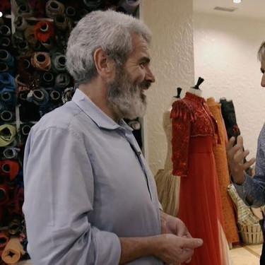 Todo lo que Caprile reveló anoche de su relación con la familia real, el vestido rojo de la reina Letizia y el vestido de novia que diseñó para la infanta Cristina