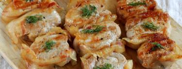 Brochetas de solomillo de cerdo con especias japonesas para disfrutar del aperitivo