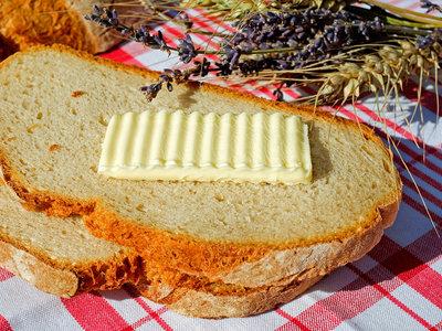 Francia tiembla ante el desabastecimiento de mantequilla: adiós a los croissants